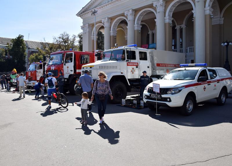 Виставка нової пожежно-рятувальної техніки